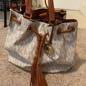 Michael Kors Vanilla LG Gathered Tote